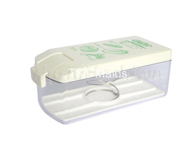sử dụng dụng cụ hợp vệ sinh, hiện đại để muối dưa