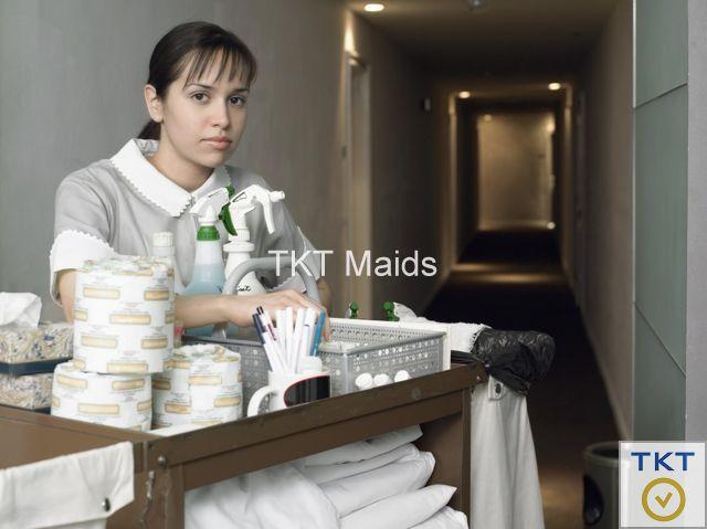 tạp vụ vệ sinh nhà hàng tại bộ phận buồng phòng