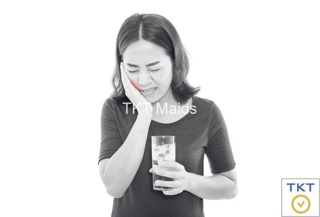 răng bị ê buốt khi uống nước lạnh