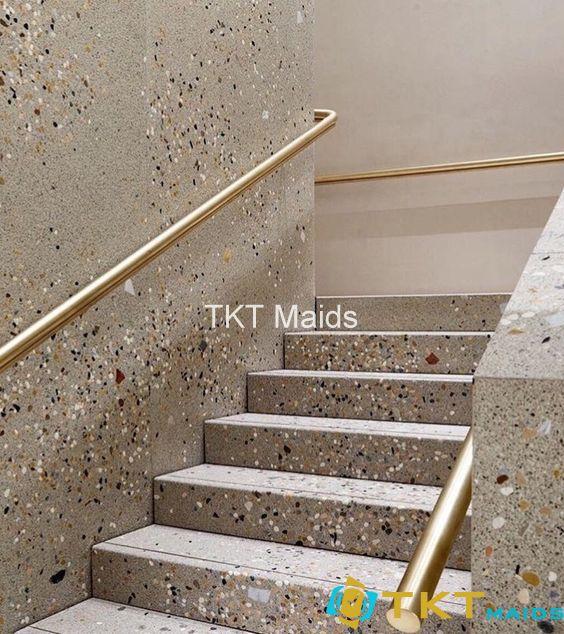 Cầu thang tường lát đá terrazzo cao cấp