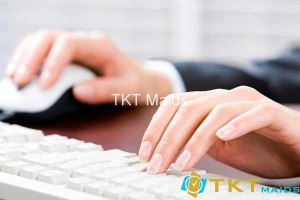 Hình ảnh: Tư thế tay khi sử dụng máy tính cần thoải mái, tránh gò ép quá lâu
