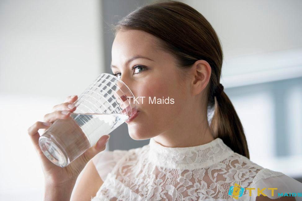 Uống nước từng ngụm nhỏ chống béo phì