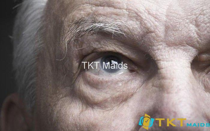 Mờ mắt hoặc gặp rắc rối với thị giác