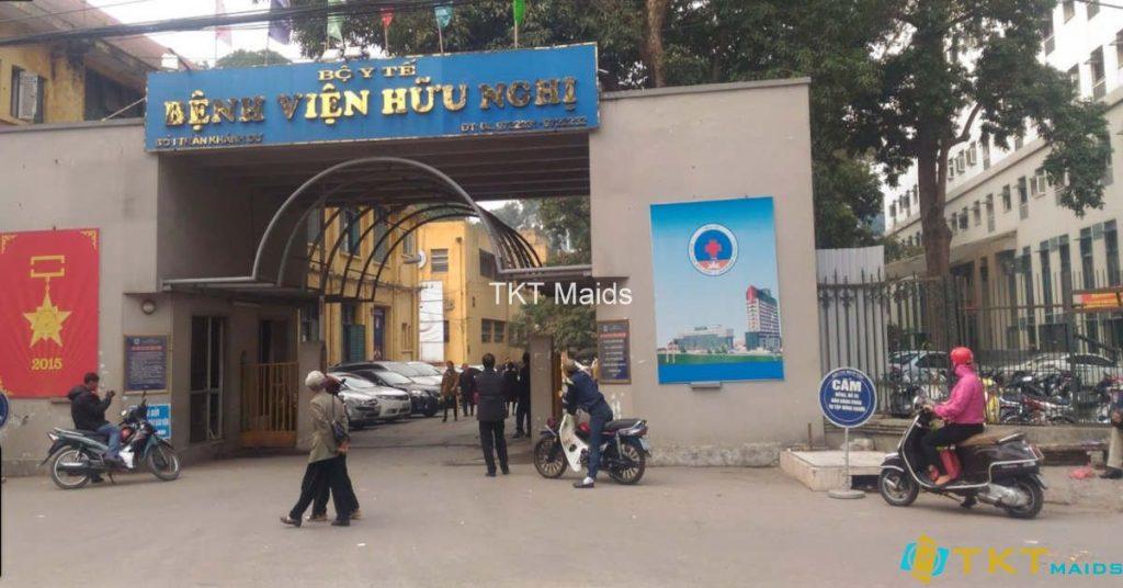Cổng chính Bệnh viện Hữu Nghị trên đường Trần Khánh Dư