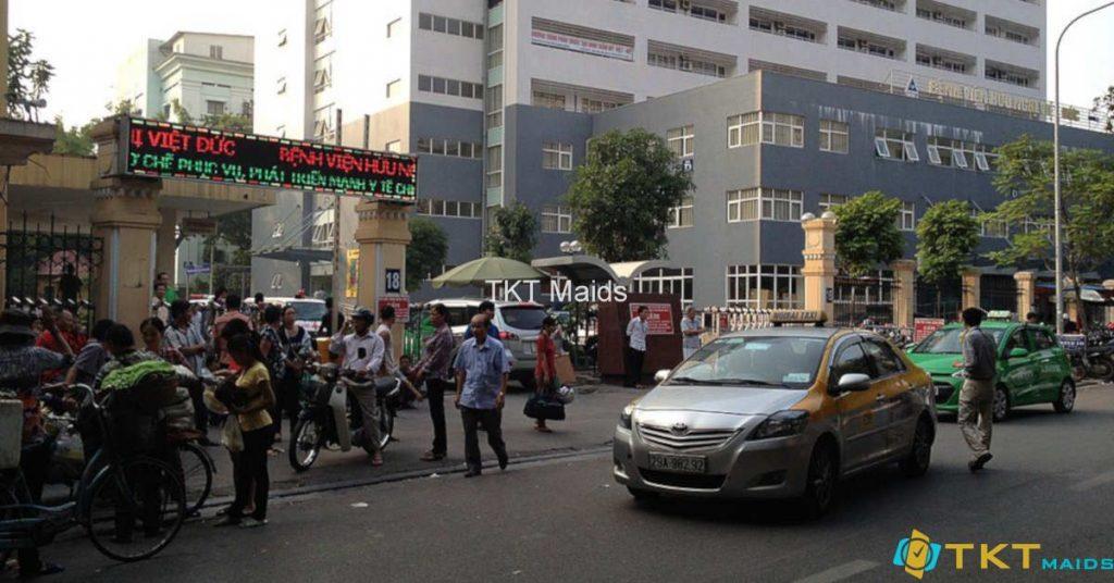 Bệnh nhân đi khám tại Việt Đức thì vào cổng số 18 Phủ Doãn, không đi cổng Tràng Thi