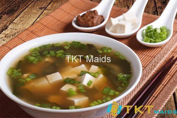 Hình ảnh: Bạn nên ăn một bát súp miso trước bữa ăn