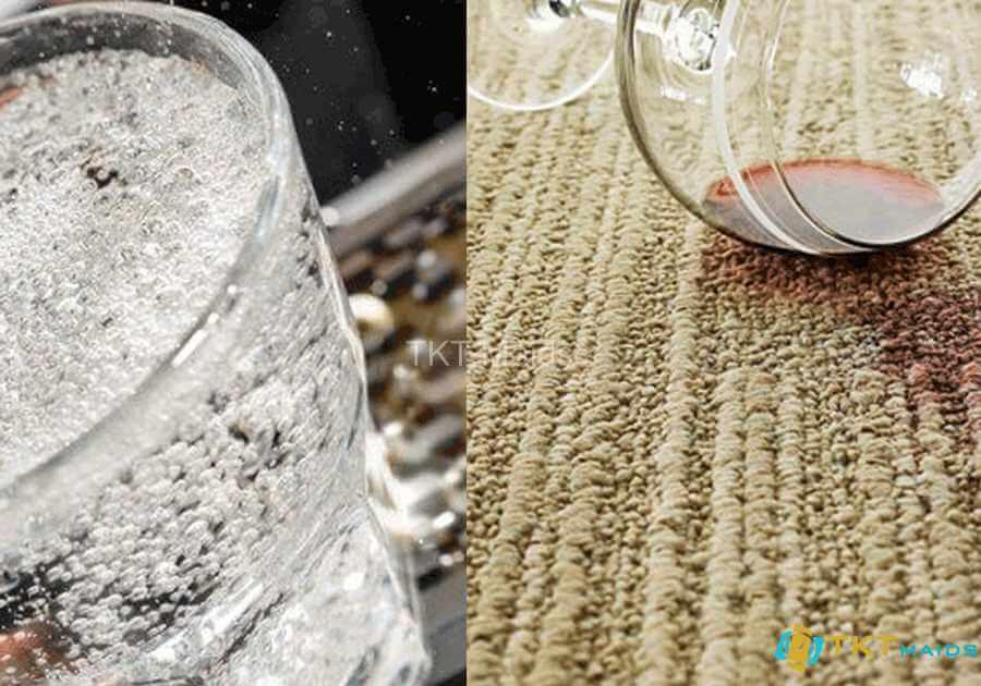 Hình ảnh: Dùng Club Soda tẩy vết rượu trên thảm