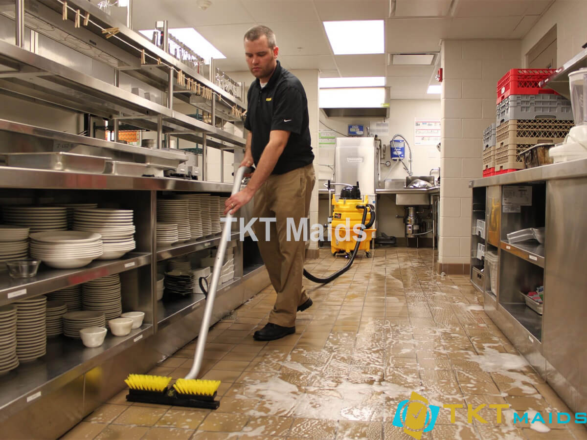 Cung cấp tạp vụ bếp quận 11
