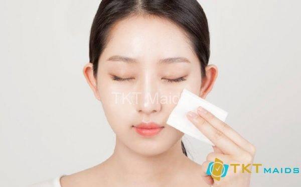 Sau khi đắp mặt nạ nên sử dụng nước hoa hồng