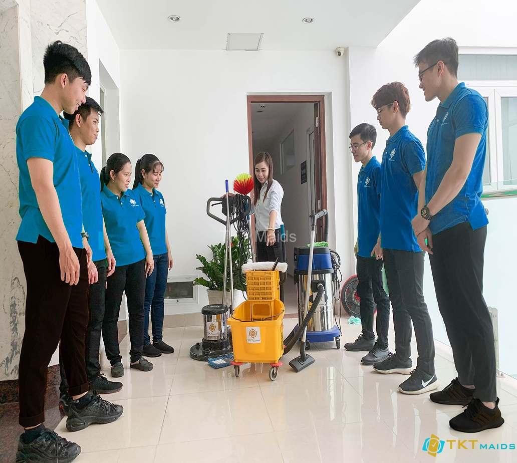 Hình ảnh: Hỗ trợ tối đa dụng cụ, máy móc, thiết bị vệ sinh